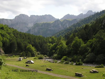 tourist information about valles de hecho y ansó, huesca