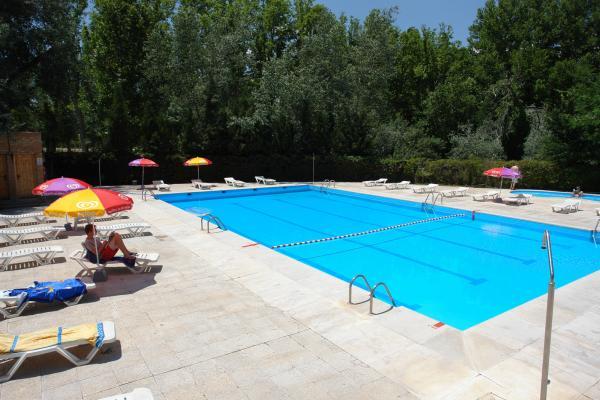 Camping Aranjuez piscinas