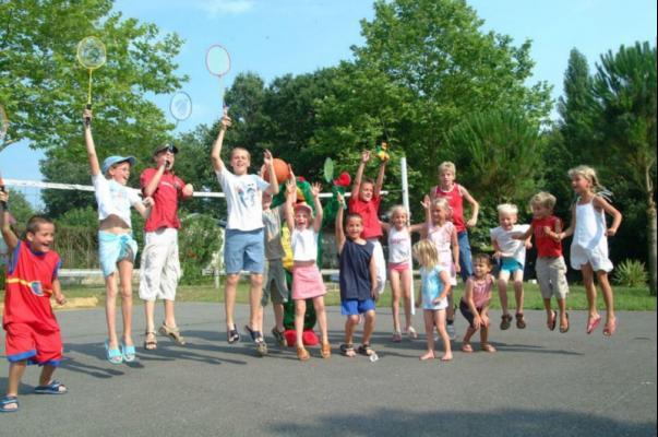 /campings/francia/aquitania/landas/LouPtit/camping-louptitpoun-landes-volleyball.jpg