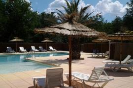 Universal, Rochegude (Gard)