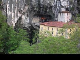 Santuario y lagos de Covadonga