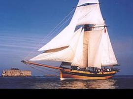 Navegar en un barco corsario