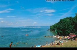El lago Lemán, compartido con Suiza, con las…